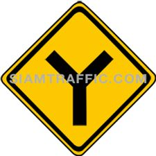 ป้ายเตือนจราจร ทางเอกตัดกันรูปตัววาย ทางแยกข้างหน้าตัดกันเป็นรูปตัววาย (Y)ให้ขับรถด้วยความระมัดระวัง
