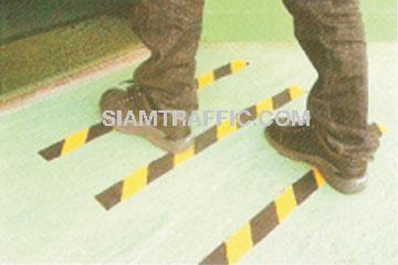 แผ่นกันลื่น anti slip plate : มีขนาดกว้าง 5 เซนติเมตร ยาว 2.5 เมตร