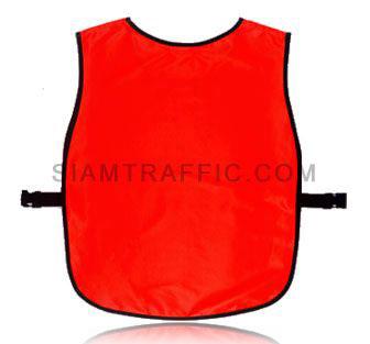 เสื้อกั๊กจราจรแบบ SWD ทั้งตัวเว้าหน้า เปิดด้านข้าง ใช้ตัวล๊อคพลาสติกสีดำขนาดฟรีไซส์ SWD04 ด้านหลัง