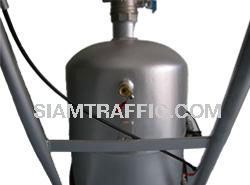 Tack coat machine : Air ventilation valve and valve for inspection of the primer level
