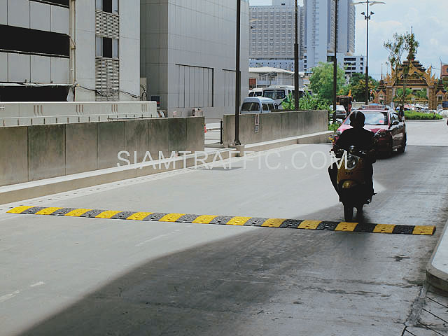 Installation speed bumps and humps at Siriraj hospital
