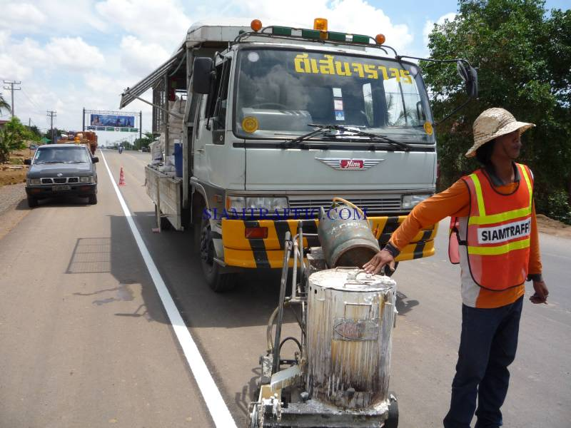 Reflective Thermoplastic Road Marking Material : Road marking service in Cambodia, Poipet to Siamriep. This project is 30,000 square meters