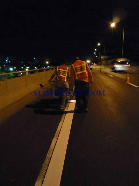 Thermoplastic Road Marking : Road marking service on Expressway