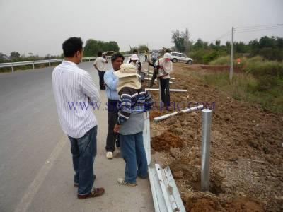 งานติดตั้งการ์ดเรลประเทศกัมพูชา