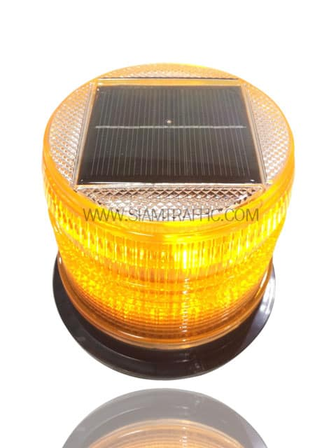 Solar cell flashing light yellow