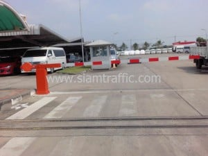 Manual barrier at Toyota Gateway