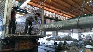 แผ่นการ์ดเรลจำนวน 400 แผ่น และอุปกรณ์ ส่งออกไปประเทศกัมพูชา