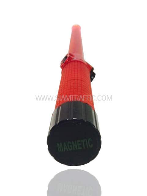 กระบองไฟกระพริบแบบยาวสีแดงมีฐานเป็นแม่เหล็ก