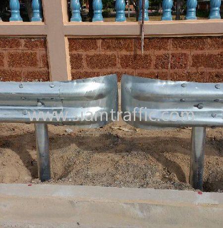 guardrail ติดตั้งที่จังหวัดชลบุรี จำนวน 416 แผ่น เปิด 80 จุด