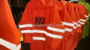 เสื้อกันฝนแบบชุดคลุม คาดแถบสะท้อนแสง สกรีนโลโก้ THE MALL