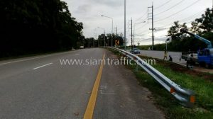 Highway crash barrier Tha Thong to Suan Som Boon Chumphon Highway