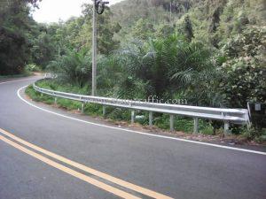 ราวกั้นทางโค้ง แขวงทางหลวงระนอง ปริมาณงาน 528 เมตร เสาเสริมจำนวน 88 ต้น