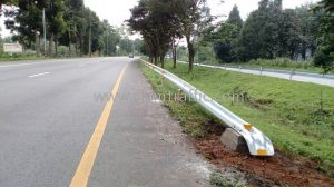 Highway safety traffic guard rail Thathong to Suansomboon Chumphon Province