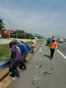Motor way guard rails Nong Ri to Nong Kham Motorway No.7