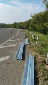 Safety guard rails Nam Rot to Pho Ta Hin Chang Chumphon Highway
