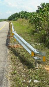Vehicle protective safety crash barrier Khao Bo to Thathong Chumporn Highway