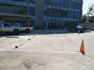 งานจ้างเหมาตีเส้นจราจรช่องจอดรถ ที่อาคารสุรินทร์ เขตคลองสาน