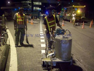 Thermoplastic road marking service at Expressway