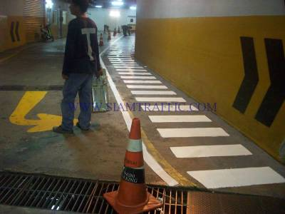 Thermoplastic road marking service at Emporium